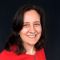 Porträttbild på Eva Sahlström, egenföretagare som driver Evas skrivskola